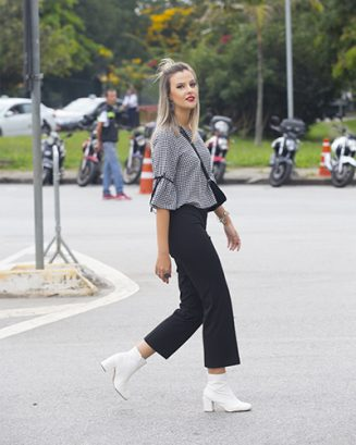 Gabriela Fernandes Diretora do STYLING TIP no street style do SPFW