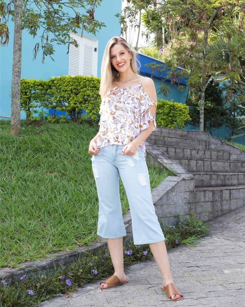 Look Morena Flor Roupas com pantacourt jeans Lady Rock.
