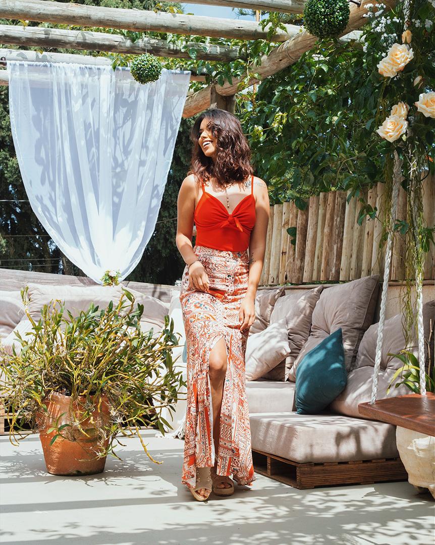 Look colorido com saia longa - Editorial produzido pelo STYLING TIP para Espaço Muna